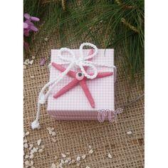 Μπομπονιέρα κορίτσι. Μπομπονιέρες βάπτισης κορίτσι κουτί καρώ ροζ με αστερία και ματάκι