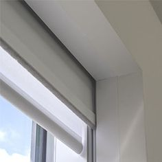 Close-up of dual roller blinds,Close-up of dual roller blinds Curtain track or curtain pole? The most frequent forms of fastening for curtains are rods and rails. Sometimes ropes ma. Blinds And Curtains Living Room, Ceiling Curtains, Patio Curtains, Diy Blinds, Stores Horizontaux, Cortinas Rollers, Conservatory Interiors, Safari Home Decor, Skylight Blinds