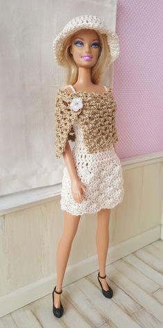 Irresistible Crochet a Doll Ideas. Radiant Crochet a Doll Ideas. Barbie Clothes Patterns, Crochet Barbie Clothes, Dress Patterns, Crochet Doll Dress, Knitted Dolls, Barbie Stil, Fashion Dolls, Fashion Outfits, Knitting Dolls Clothes