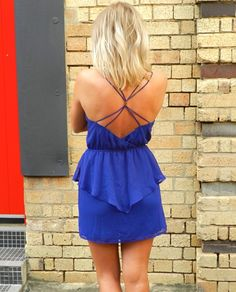 looove the color and the back