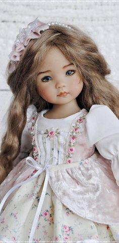 Dresses for Little Darling, Blythe, Paola Reina dolls by MyLovelyDresses Pretty Dolls, Beautiful Dolls, Watercolor Wallpaper Iphone, Madame Alexander Dolls, Paper Crafts For Kids, Doll Shoes, Little Darlings, Reborn Babies, Vintage Dolls
