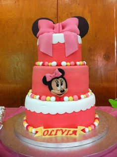 Minnie Mouse 1st birthday cake