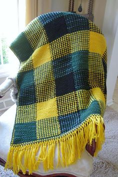 Free Tartan Afghan Patterns | Free Pattern: Boldly Colored Plaid Afghan by Patons