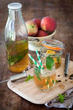 Ice Tea maison (pèche-menthe) - Expolore the best and the special ideas about Cocktails Detox Recipes, Healthy Recipes, Juice Recipes, Veggie Juice, Natural Detox Drinks, Cocktail Recipes, Cocktails, Apple Cider Vinegar Detox, Homemade Ice