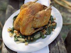 Brathuhn auf Mangoldgemüse ist ein Rezept mit frischen Zutaten aus der Kategorie Hähnchen. Probieren Sie dieses und weitere Rezepte von EAT SMARTER!