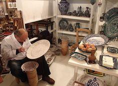 La cerámica de fajalauza es una verdadera tradición artesanal en Granada / The fajalauza ceramics is a true artisan tradition in Granada