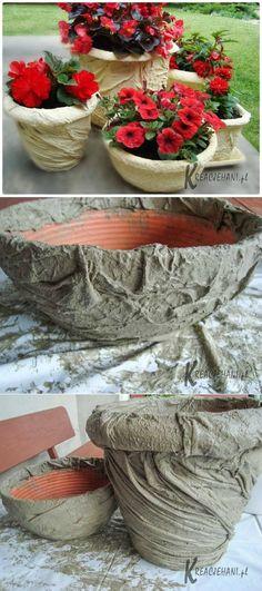 Diy Concrete Planters, Concrete Crafts, Concrete Projects, Concrete Garden, Concrete Design, Garden Crafts, Garden Projects, Cement Flower Pots, Cement Art