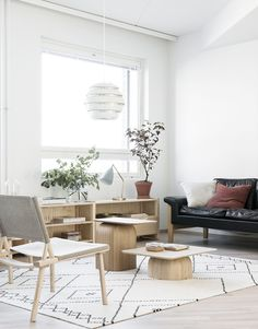 Ideal small lounge diner layout ideas uk just on home like art design Living Room Update, Home Living Room, Living Spaces, Scandinavian Interior Design, Modern Interior Design, Sideboards For Sale, Small Lounge, Living Room Interior, Small Living