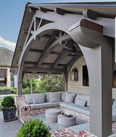 It's 86 degrees in Detroit today and before we take the idea of the outdoors away, let's mesmerize on this divine outdoor loggia. Interior Design And Real Estate, Decor Interior Design, Interior Decorating, Luxury Interior, Decorating Ideas, Outdoor Spaces, Outdoor Living, Indoor Outdoor, Outdoor Decor