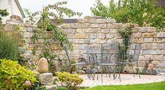 Sitzplatz Im Garten Abschirmen #sichtschutz #gartengestaltung #mauer  #privatsphäre #sitzecke #inspiration