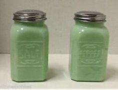 Jade Jadeite Green 2 Pc Salt Pepper Shaker SET Depression Glass Shakers