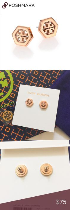 """NWT Tory Burch hex-logo stud earrings (rose gold) Brand new with tag. Never used or worn. Come with Tory Burch dust bag. Rose gold color. Super pretty and classic!!!Tory Burch hexagon-shaped stud earrings. Rose gold color stainless steel, 18-karat rose gold plate Double-T logo center. Approx. 0.5"""" diameter. Post backs for pierced ears.                                                              ❌no trade ❌no lowballing offers!!!!‼️ Tory Burch Jewelry Earrings"""