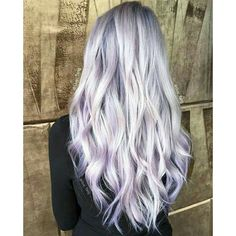 Ohhh, if I manage to maintain my hair when im older and grey, then this subtle purple is amazing.