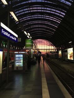 Sundown at the train central station in Frankfurt (Germany) Train Wallpaper, Waves Wallpaper, Germany Photography, Night Photography, Night Aesthetic, City Aesthetic, Corporate Identity Design, Travel Around The World, Around The Worlds