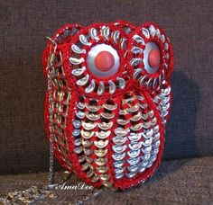 pop tab owl Soda Tab Crafts, Can Tab Crafts, Pop Top Crochet, Pop Top Crafts, Pop Can Tabs, Brush Embroidery, Soda Tabs, Owl Bags, Recycle Cans