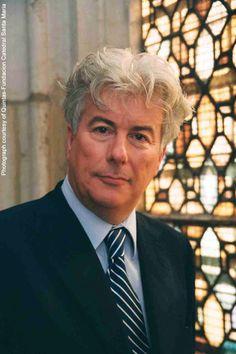 Ken Follett: Autore von historischen Romanen wie #SturzDerTitanen oder #WinterDerWelt