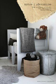 IDEE: Zwart-wit kinderkamer // Black and white kids room (Caisa K.) met ijzeren opbergbox en papieren opberg zak