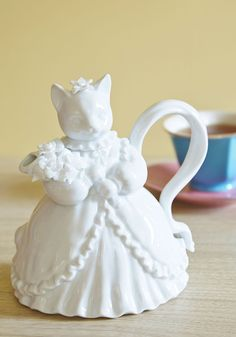 Purr Me a Cup Teapot. As purr usual, your mornings begin with a hot cup of tea, exquisitely poured from this porcelain teapot. #white #modcloth