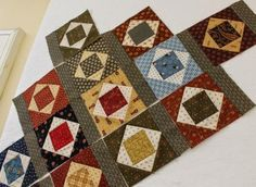 high upon the hill: Jo Morton's Smore's.want to make with CW scraps Cute Quilts, Old Quilts, Barn Quilts, Small Quilts, Mini Quilts, Small Quilt Projects, Quilting Projects, Quilting Designs, Quilt Baby