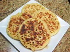 How to make Thermomix Crumpets and why! You don't need a Thermomix, but it certainly helps with this yeasty bread recipe. Why not make them yourself you won't even get your hands dirty! Crumpet Recipe, Thermomix Bread, Griddle Cakes, Bread Mix, What's For Breakfast, Crumpets, Cooking School, Quick Bread, Cooking