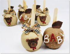 Chocolate apple on a stick (chocolate covered fruit baby shower) Cake Pops, Chocolate Covered Apples, Caramel Apples, Oreos, Carmel Candy, Gourmet Candy Apples, Idee Baby Shower, Apple Pop, Creative Desserts