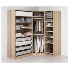 Esempio di armadio angolare Ikea