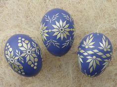 Egg Shell Art, Egg Art, Egg Decorating, Egg Shells, Creative Thinking, Spring Crafts, Easter Crafts, Linen Bedding, Easter Eggs