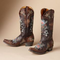 "OLD GRINGO BONNIE BOOTS -- Rare beauties, handmade entirely in premium leather by Old Gringo, embellished with colorful embroidery and intricate inlay. Snip toe, 1-1/2"" heel. Imported. Whole and half sizes 6 to 10, 11.View our entire Old Gringo Collection."