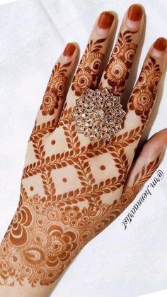 Mehndi Designs For Kids, Floral Henna Designs, Henna Tattoo Designs Simple, Mehndi Designs Feet, Back Hand Mehndi Designs, Latest Bridal Mehndi Designs, Mehndi Designs 2018, Mehndi Designs Book, Mehndi Designs For Beginners