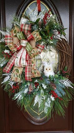 Christmas Mesh Wreaths, Christmas Mantels, Christmas Art, Christmas Holidays, Owl Wreaths, Winter Wreaths, Woodland Christmas, Christmas Inspiration, Christmas Projects