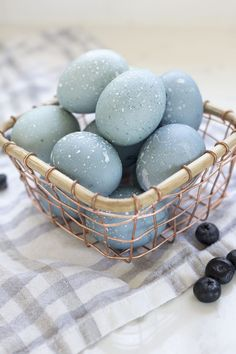 Naturally dyed Easter eggs have always been interesting to me but I've never actually taken