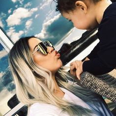 When your heart is so full that it's overflowing 💗💗💗 @quayaustralia #beauty #blogger #fashion #baby #love #family #pregnant