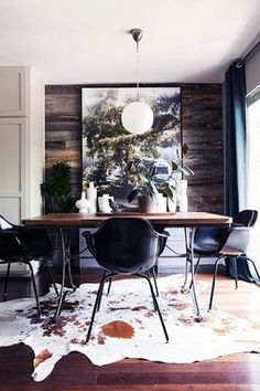 GET THE LOOK: 20 MID CENTURY MODERN GLAMOROUS DINING ROOM DESIGN   See more at http://delightfull.eu/blog/2015/12/02/look-mid-century-modern-glamorous-dining-room-design/