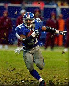 Tiki Barber New York Giants Football, Football Team, Football Helmets, New York Giants Players, Best Hero, G Man, Sports Images, Sports Figures, American Football