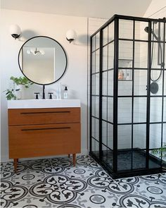 Holiday Count Down! Thank you for incorporating DreamLine's French Corner in your amazing bathroom design. Purchase a DreamLine Fren Small Bathroom Storage, Diy Bathroom Decor, Bathroom Interior Design, Bad Inspiration, Bathroom Inspiration, Shower Enclosure Kit, Corner Shower Doors, French Bathroom, Beautiful Bathrooms