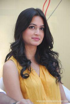 Cute Beauty, Beauty Full Girl, Beauty Women, Beautiful Girl Indian, Most Beautiful Indian Actress, Beautiful Bollywood Actress, Beautiful Actresses, Shraddha Kapoor Bikini, Bhavana Actress