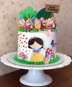 1st Birthday Parties, Birthday Cake, Snow White Birthday, Character Cakes, Disney Cakes, Little Cakes, Drip Cakes, Buttercream Cake, Cute Cakes