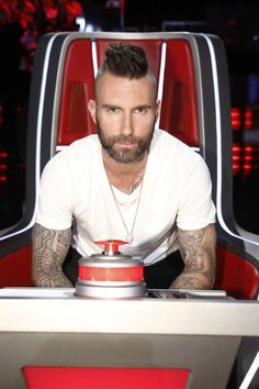 Adam Levine is leaving The Voice after 16 seasons! Gwen Stefani will replace. ~ Denny thevoice adamlevine nbc nbcthevoice (Photo by: Trae Patton/NBC/NBCU Photo Bank via Getty Images) Mohawk Hairstyles Men, Popular Mens Hairstyles, Celebrity Hairstyles, The Voice Show, Adam Levine Haircut, Adam Levine Style, Barber Man, Hair And Beard Styles, Hair Styles