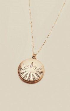 Victorian Vintage Locket Necklace | Natalie B Jewelry | Planet Blue