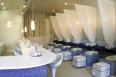 Nail Bar.. I would go there