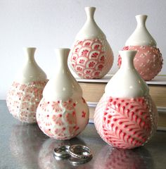 I really need to get back into  pottery, so I can start making stuff like THIS.