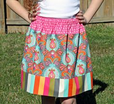 Another simple elastic waist skirt tutorial from Applique Time