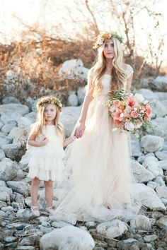 I absolutely love the idea of matching the flower girl dresses with your wedding gown… The same fabric, the same color, the same basic-pattern as your wedding Flower Girls, Flower Girl Dresses, Flower Crowns, Dresses Uk, Bohemian Flower Girl Dress, Party Dresses, Evening Dresses, Bridal Shoot, Bridal Gowns
