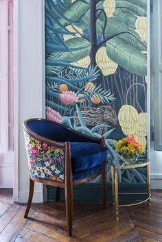 'Rousseau' design in full custom design colours on Mare Verde scenic paper