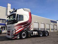 The Volvo roar. Show Trucks, Big Trucks, Hot Black Women, Truck Paint, Volvo Trucks, Car Decals, Car Stickers, Custom Trucks, Mazda