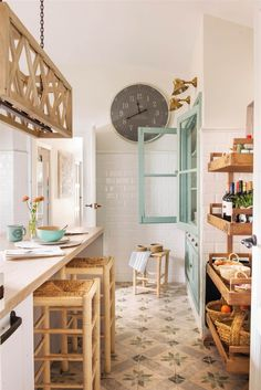 La maison de vacances idéale d'une designer d'intérieur – PLANETE DECO a homes world – kitchen – küchenschränke Küchen Design, Home Design, Design Ideas, Design Inspiration, Cheap Home Decor, Diy Home Decor, Kitchen Dining, Kitchen Decor, Kitchen Ideas