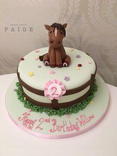 New Birthday Cake Girls Horse Ideas Farm Birthday Cakes, New Birthday Cake, Horse Theme Birthday Party, Horse Party, Mom Birthday, Birthday Cards, Horse Cake Toppers, Pony Cake, Birthday Cake Decorating