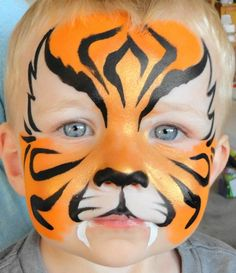 Face painting is very popular amongst the kids, especially on fancy dress completion and birthday parties. Here are some Easy Face Painting Ideas For Kids f Tiger Face Paint Easy, Tiger Face Paints, Cool Face Paint, Animal Face Paintings, Animal Faces, Face Painting For Boys, Body Painting, Simple Face Painting, Tiger Makeup