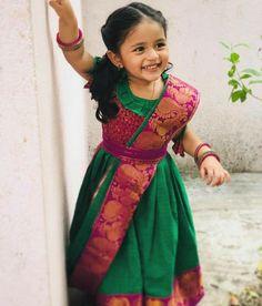Kids Pageant Dresses, Kids Party Wear Dresses, Kids Dress Wear, Little Girl Dresses, Girls Frock Design, Kids Frocks Design, Baby Frocks Designs, Kids Blouse Designs, Designs For Dresses