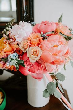 Travis and Alicia's Bright Coral Wedding with a Big Pink Balloon by Ashley Tiedgen Photography basteln dekoration garten hintergrundbilder garden photography roses
